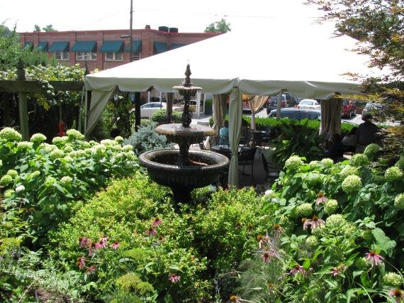 Downtown Lewisburg restaurant